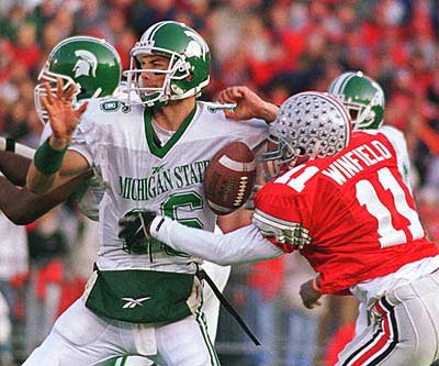 knt11Antoine-Winfield-with-the-old-sack-fumble-vs-MSU-1998